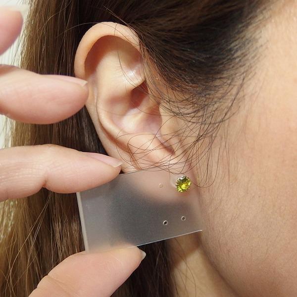 ピアス ペリドット K18 イエローゴールド 約5mm 高品質 シリコン製ダブルロックキャッチ仕様 一粒留
