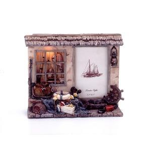 アンティーク風フォトスタンド/写真立て 【ライト付き】 レジン樹脂製 『海の家』