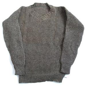 スウェーデン軍放出 Vネックセーター ビンテージ JW048UN 【中古】