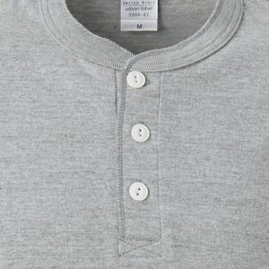 アウトフィットに最適ヘビーウェイト5.6オンスセミコーマヘンリーネックTシャツ2枚セット ブラック+ミックスグレー Mサイズ f04