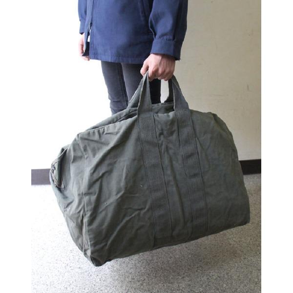 アメリカ空軍放出 A.F.フライヤーズキット73リッター容量バッグ中古