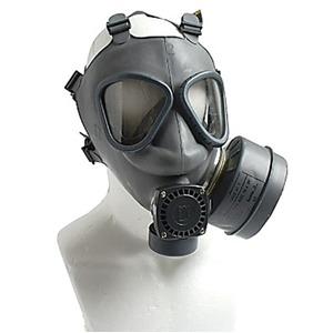 フィンランド軍放出 ガスマスクセット未使用デットストック - 拡大画像