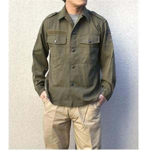オーストリア軍 放出フィールドシャツ【中古】 オリーブ系 96-100(L相当) - 拡大画像