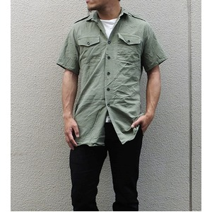 イギリス軍放出フィールドシャツ半袖オリーブ【中古】  M