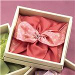 彩美花飾りふろしき・小ふろしき 【ピンク】 化粧箱入り 日本製 〔贈答品 記念品 プレゼント〕