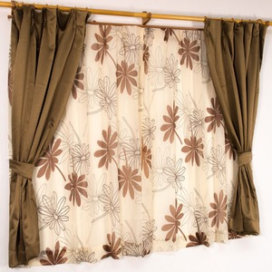 バッグ付き 4枚組遮光カーテン 100×135 ブラウン ボタニカル柄 リーフ柄 タッセル付き 洗える プラム