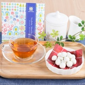 プチギフト キャトルクローバー ホワイトチョコ味 12セット〔(豆菓子40g・紅茶2g)×12個〕