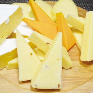 北海道オリジナルナチュラルチーズセット【5種セット】冷蔵40日日本製〔ご家庭用贈りものパーティー〕