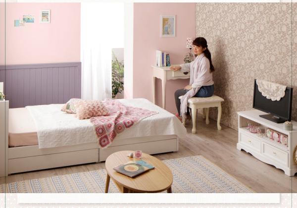 小物類が多い女子向けの棚付ベッド