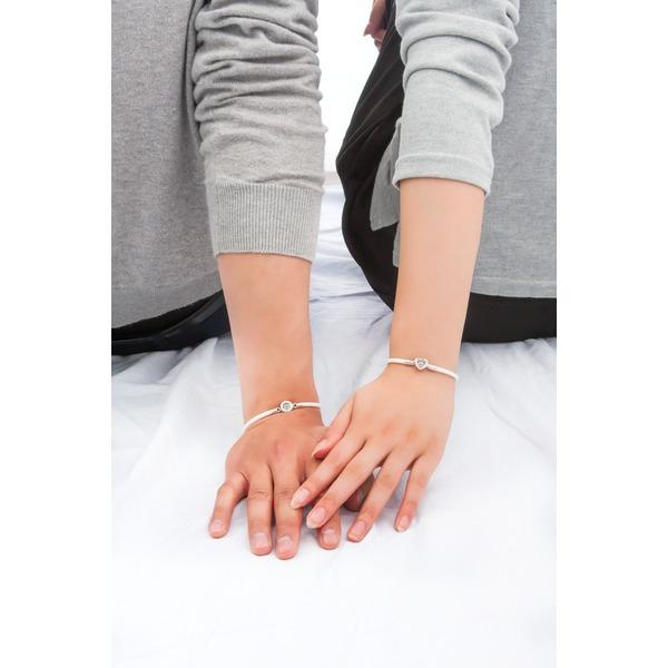 クロスフォーニューヨーク Dancing Stoneシリーズ【ダンシングストーンシリコンブレスレット】 NSB-004WHハート