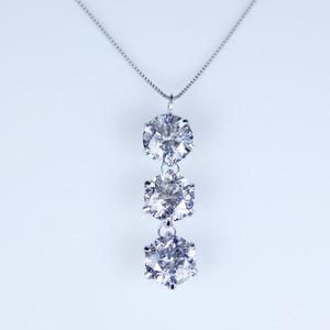 プラチナPt900  2.0ctダイヤモンド3ストーンペンダント