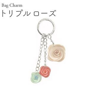 【2個セット】バッグチャーム トリプルローズ(ホワイト×ピンク×ブルー) - 拡大画像