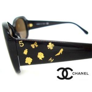 CHANEL(シャネル) サングラス CH5123A-81873 メタリックブラウン×ブラック×ゴールドチャーム - 拡大画像