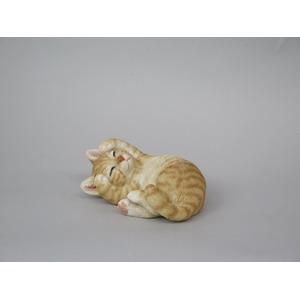 ねこの置物 甘えん坊CAT トラ【2個セット】 - 拡大画像