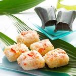 いしの屋「本ずわい蟹めし8個入」本ずわい蟹の身を贅沢に使ったおこわ風の蟹めし。レンジチンで簡単