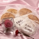 【4月27日予約分まで5月9日お届け可能 2010年母の日予約開始】草加煎餅DEお母さんありがとう・一輪のバラの花付 - 縮小画像2