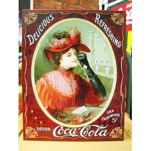 アメリカンブリキ看板 コカコーラ ビクトリア調赤ドレス - 拡大画像