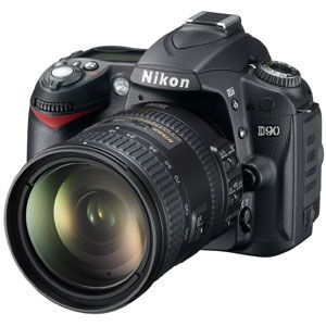 Nikon(ニコン) デジタル一眼レフカメラ D90 (AF-S DX 18-200 VR レンズキット) D90LK18200-2 - 拡大画像
