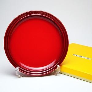 ル・クルーゼ (Le Creuset)  ラウンドプレート・LC 23cm チェリーレッド - 拡大画像