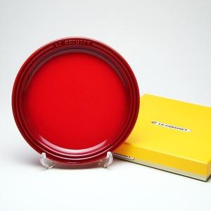 ル・クルーゼ (Le Creuset)  ラウンドプレート・LC 19cm チェリーレッド - 拡大画像