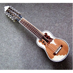 【CHARANGO PRO QUISPE】民族楽器、ボリビア製 キスペ制作のチャランゴ プロ用★ソフトケース付 - 拡大画像