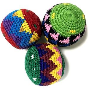 【グアテマラ民芸品】ハッキーサック・ フットバッグ お手玉 ボール(1個)アソート - 拡大画像