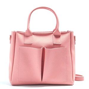 デザインみたいな前ポケットがポイントの2Wayハンドバッグ/ピンク