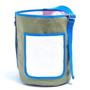 アウトドアにも旅行にもエコバッグとしても使える筒形バッグ/カーキ - 拡大画像