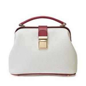 柔らか素材♪パカッと開くがま口タイプのハンドバッグ