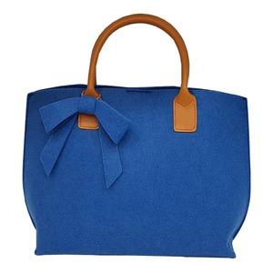 上質フェルト素材のリボンチャーム2WayハンドバッグM/ブルー