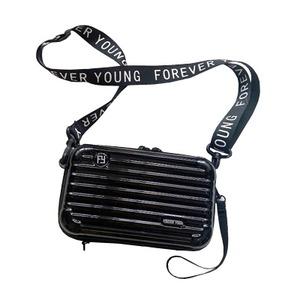NEWスーツケース型ポーチ(太めショルダーストラップ付)/ブラック - 拡大画像