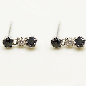 10金ホワイトゴールド 0.5ctブラックダイヤモンド&ブラウンダイヤモンドピアス3ストーンスウィングスタッドピアス - 拡大画像