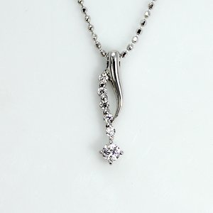 0.1ct 天然ダイヤモンド 6ストーン デザイン ペンダント ネックレス - 拡大画像