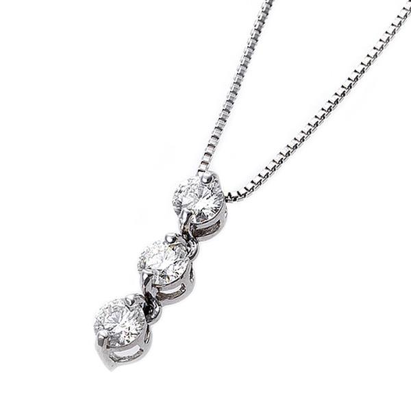 40歳からのダイヤモンドネックレス