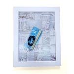 何度でも貼ってはがせる額A4(285×209mm) ■画びょう/テープが必要ない・ペタペタ貼れるボード・粘着ボード ホワイト
