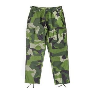 スウェーデン軍BDU(Battle Dress Uniform) M90グリーンカモ カーゴパンツ レプリカ M - 拡大画像