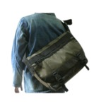 アメリカ軍 メッセンジャーバッグ/鞄 【20L オリーブ】 ポリエステルキャンバス地/ラバー 防水加工 BS124YN レプリカ