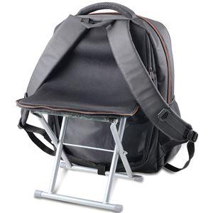 疲れたら座れるリュックサック/鞄 【耐荷重約100kg】 背面イス内蔵 〔スポーツの合間 アウトドア 行列の順番待ち〕 - 拡大画像