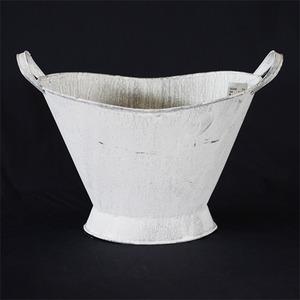 【2個入】ブリキ製プランター/植木鉢 【アンティークホワイト Lサイズ】 長さ27cm 穴なし 楕円耳付き 『カルチベーター』 - 拡大画像