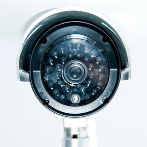 赤外線型ダミーカメラ 【屋内/屋外可】 CCTVステッカー付き CA-11 〔防犯/万引き・不正行為の威嚇〕