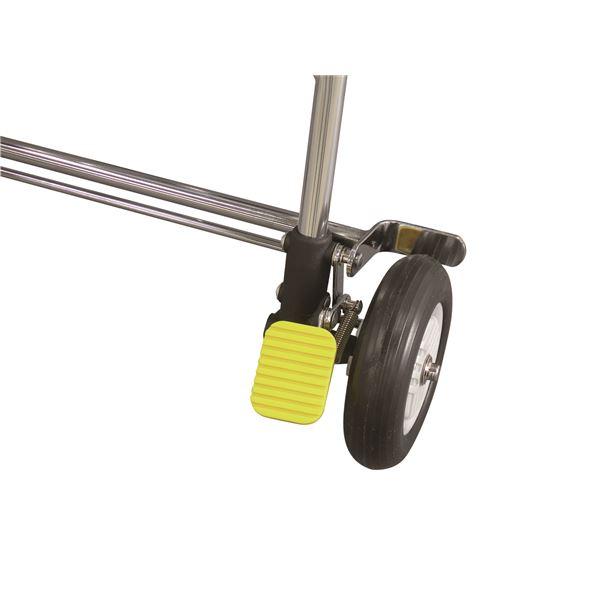 シルバーカー【ニューウォーキングIII】のペダルを踏むだけの足元ストッパー