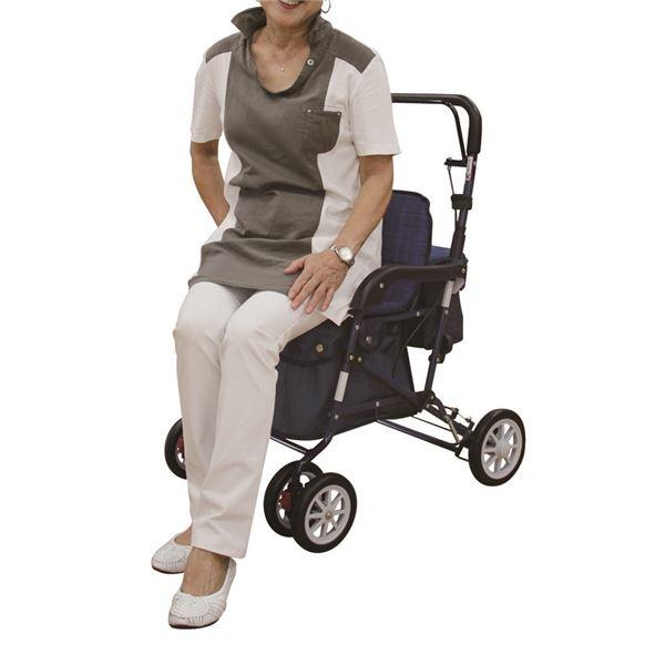 アルミ製シルバーカーは、ゆったり座って休憩ができます