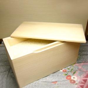 桐の米びつ/ライスストッカー 【5kg用/無地】 泉州留河 日本製