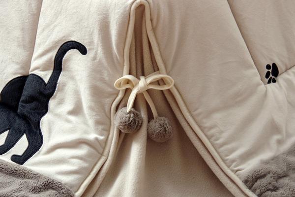 猫柄 省スペース こたつ薄掛け布団 こたつ布団 単品 『シャルル省S』 ベージュ 約175×175cm